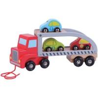 Camion de remorcare cu trei masini